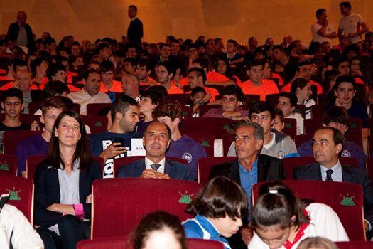 Medio centenar de jugadores de Cantbasket en la presentación de los 'Juegos Escolares'