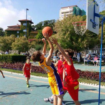 Nuestros jugadores disfrutaron de una gran jornada de baloncesto en Piquío