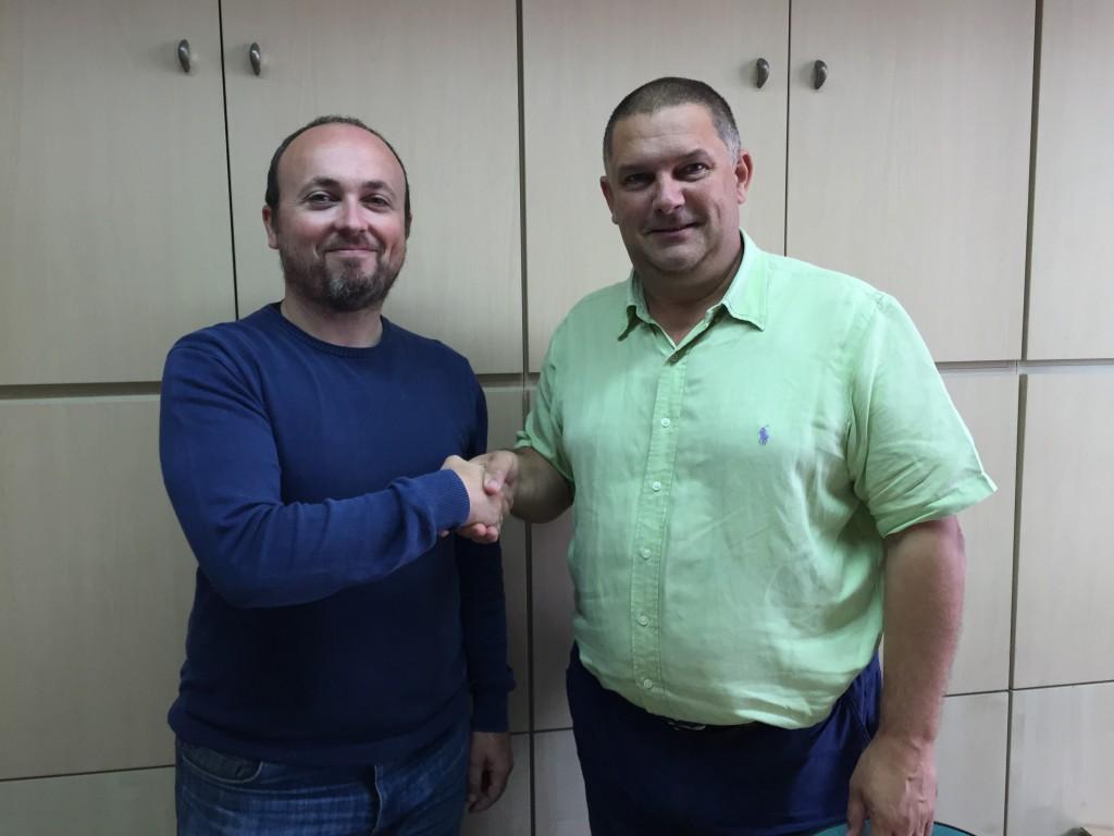 Daniel López y José Luis Teja renovaron el acuerdo de colaboración entre La Gallofa & Co y la FCB