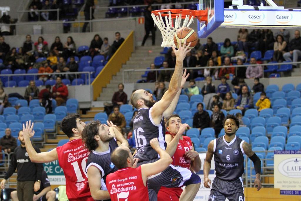 Tomás Ramón, que regresó a las canchas hace dos semanas, anotó 17 puntos en Venta de Baños