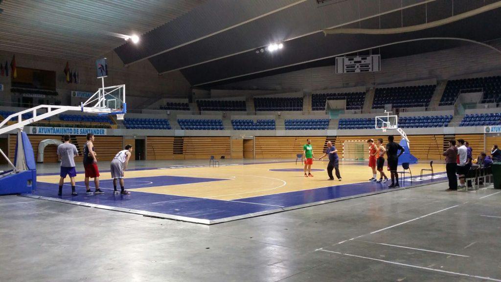 Una de las sesiones de entrenamiento realizado en el Palacio de los Deportes de Santander