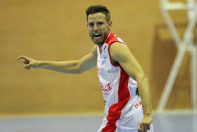 Jaime García celebrando uno de sus triples en Burgos