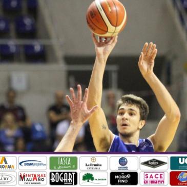 Álvaro Reyes, quinta renovación en el primer equipo de Cantbasket 04